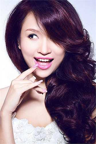 Thanh Vân Hugo cũng là một trong những bà mẹ hot girl được cộng đồng mạng đặc biệt chút ý