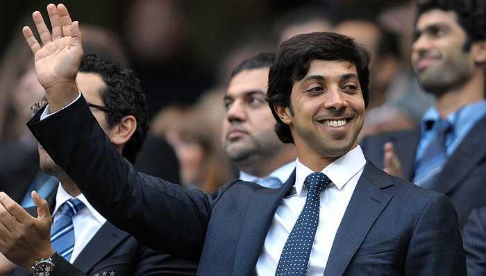 Sau khi mua lại Man City vào năm 2008 với giá 200 triệu bảng, tập đoàn do Sheikh Mansour làm Chủ tịch đã đầu tư rất mạnh mẽ về tài chính giúp Man City trở thành thế lực mới ở giải Ngoại hạng Anh.