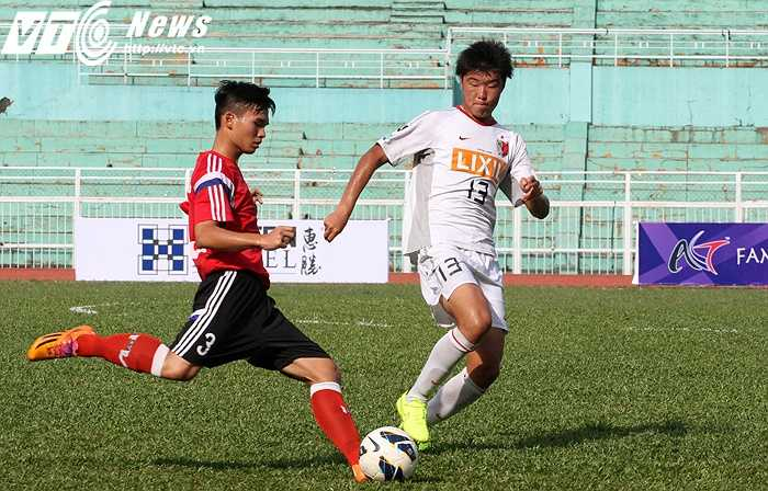 Ở lượt trận thứ 2 vòng bảng ASIA Champions Trophy 2015, U18 PVF Việt Nam tiếp U18 Kashima Antlers (Nhật Bản) trên sân Thống Nhất (Ảnh: Hoàng Tùng)