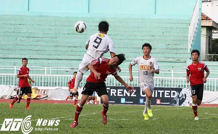 U18 PVF đã thất bại tiếc nuối khi không thể kiểm soát thế trận 'trên không'. Trận đấu này U18 PFV cũng có tổn thất lớn khi tới 8 trụ cột của đội đang tập trung U19 Việt Nam (Ảnh: Hoàng Tùng)