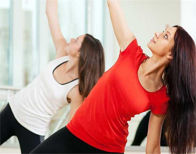 Tập thể dục trong giới hạn: Đây là một bí mật để ăn và không béo. Tập thể dục để đốt cháy mỡ thừa nhưng chỉ nên tập trong giới hạn tránh quá sức.