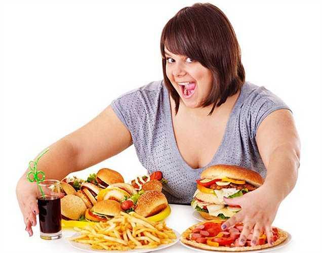 Đừng để thức ăn ám ảnh bạn: Đây là một trong những sai lầm lớn gây béo phì.