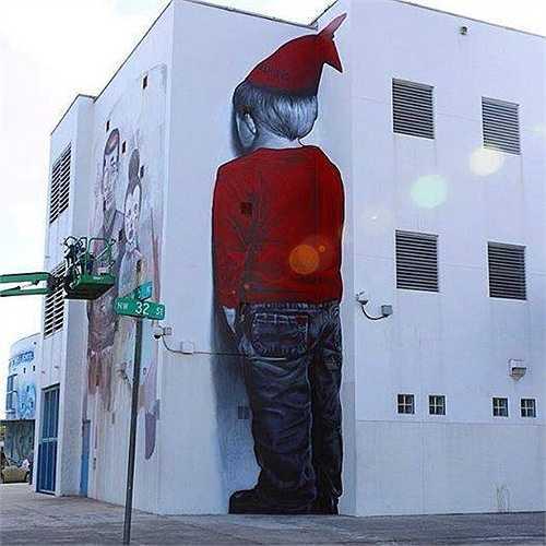 Những bức tranh tường không chỉ đơn thuần là nghệ thuật đường phố mà con trở thành điểm nhấn thu hút mọi ánh nhìn