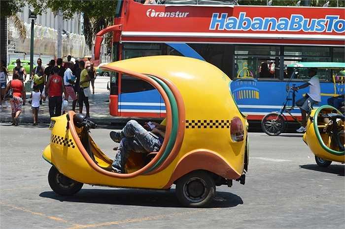 Tại Cuba, không rõ vì sao xe có xuất xứ châu Á như xe Nhật, Hàn rất hiếm gặp.