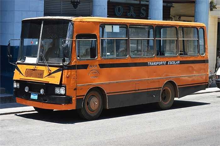 Những xe nổi tiếng thời Xô Viết đều được mang sang Cuba, đổi lấy thuốc, sợi thuốc lá và đường kính trắng.