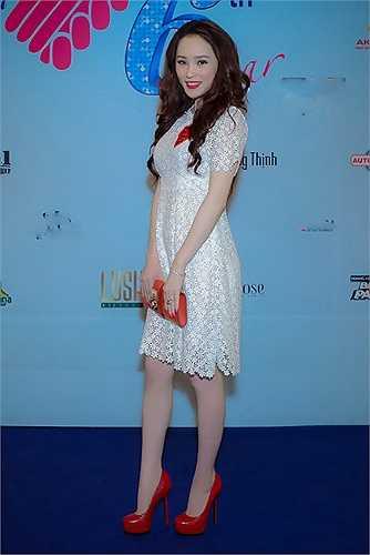 Được biết, trang phục Thái Như Ngọc đụng hàng với diễn viên nổi tiếng Angela Baby. Trước đó, Angela Baby đã diện trang phục này tham dự sự kiện.