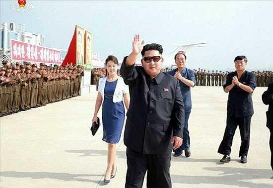 Đệ nhất phu nhân Ri Sol-ju cũng xuất hiện tại sân bay