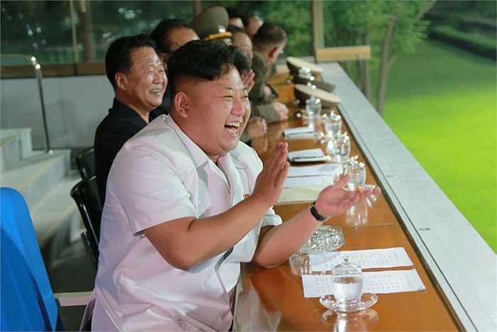 Chủ tịch Kim Jong Un tin rằng bóng đá sẽ đưa tinh thần Triều Tiên lan tỏa khắp thế giới.