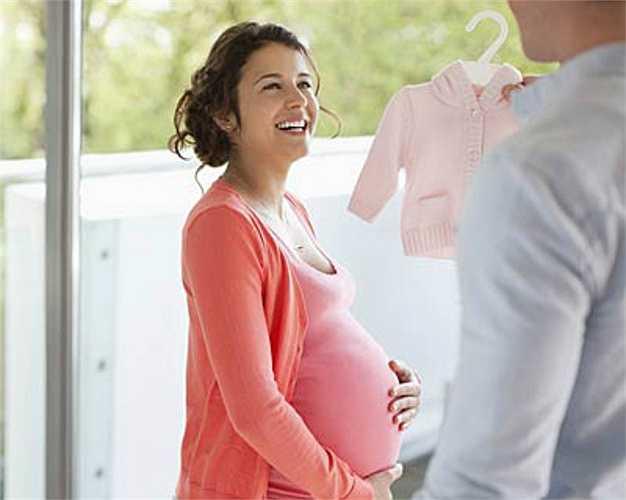 6. Mang thai  Những thay đổi hooc-môn trong thời kì mang thai, đặc biệt là hàm lượng estrogen và progesterone có thể gây viêm nướu (đỏ, sưng nướu và chảy máu chân răng).