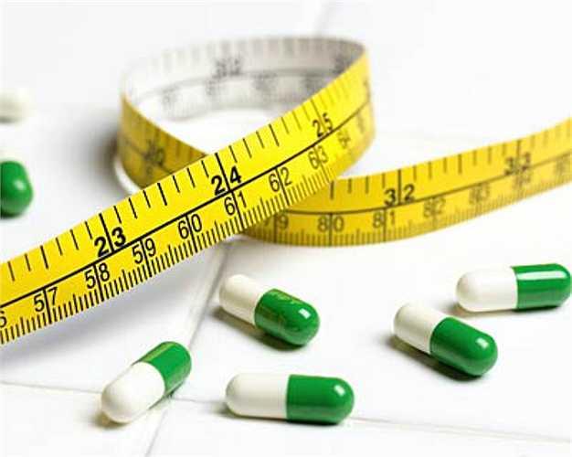 7. Thuốc giảm cân.  Thuốc giảm cân làm giảm lượng nước bọt tiết ra, gây khô miệng và khiến bạn có nguy cơ mắc các bệnh về nướu, sâu răng.