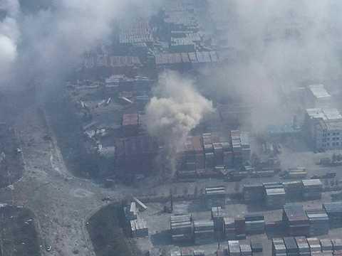 Chủ tịch Trung Quốc Tập Cận Bình ra chỉ đạo 'nỗ lực toàn diện để cứu các nạn nhân và dập tắt đám cháy' sau khi các vụ nổ xảy ra.