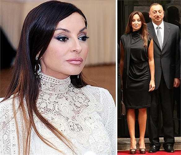 Đệ nhất phu nhân của Azerbaijan, bà Mehriban Aliyeva được ngưỡng mộ rộng rãi, không chỉ vì vẻ đẹp mà còn cho những thành tích của bà