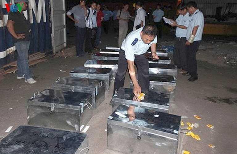 Cục Cảnh sát phòng chống tội phạm buôn lậu - Bộ Công an xác định đây là đường dây buôn lậu hàng cấm từ Mozambique về Việt Nam.