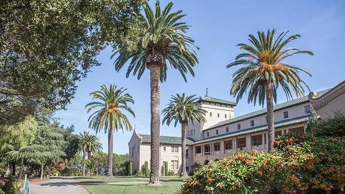 Thực tế, Brin đầu tư khá nhiều tiền vào Los Altos, chủ yếu thông qua công ty bất động sản Passerelle.