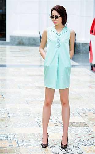 Nàng hoa hậu 19 tuổi sở hữu đôi chân đẹp mà bất cứ cô gái nào cũng ao ước