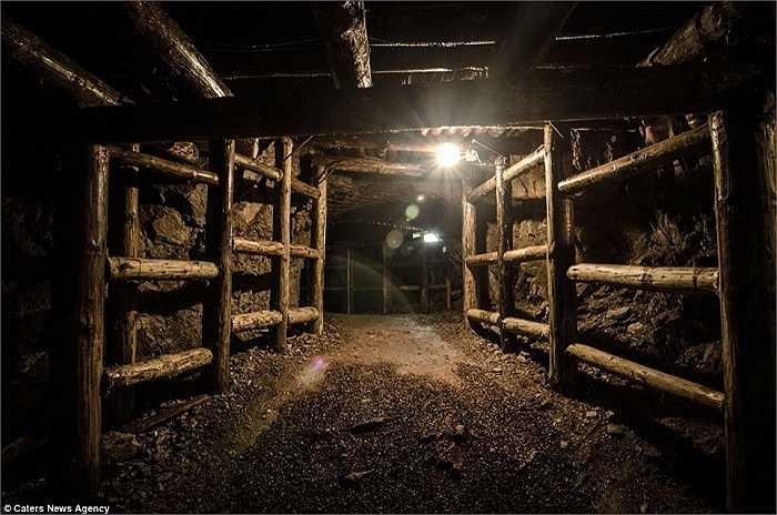 Một công trình trong khu phức hợp Osowka nằm sâu dưới lòng đất