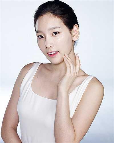 Trưởng nhóm SNSD - Taeyeon cũng không hổ danh là mỹ nhân có nét đẹp trời cho.