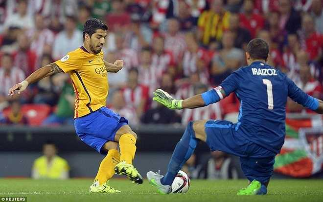 Luis Suarez, chân sút thượng thặng khác của Barca cũng 'tắt điện' trước hàng phòng ngự của Bilbao. Trung phong người Uruguay không tung ra một cú sút nào trong 90 phút có mặt trên sân.