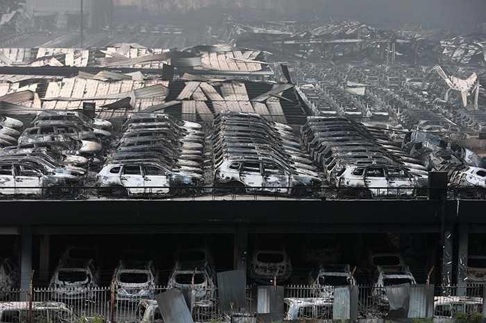Đã hơn 48h trôi qua sau vụ nổ lớn ở Thiên Tân, Trung Quốc, con số thống kê đã lên tới 50 người thiệt mạng và hơn 700 người bị thương cùng nhiều tài sản đã biến thành tro bụi.