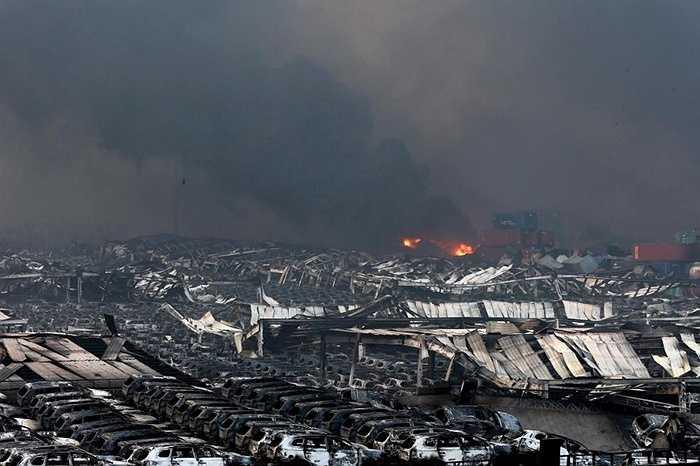Ngoài những thiệt hại về người, các hãng xe tại Thiên Tân cũng đang đối đầu với những thiệt hại lớn bởi cảng Thiên Tân cũng là điểm cập bến của nhiều chiếc xe thương hiệu nổi tiếng tại Trung Quốc