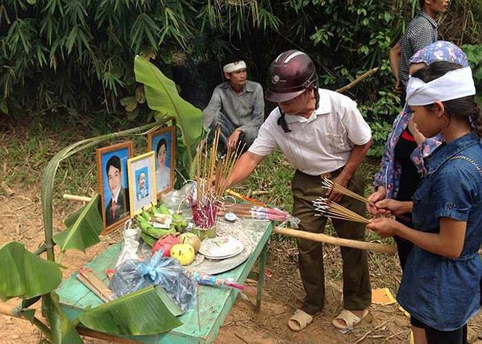 Sáng 14/8, gia đình đã tổ chức tang lễ, đưa nạn nhân về nơi an nghỉ cuối cùng.