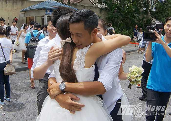 Đây là lần thứ 5 cuộc thi Marathon Tình yêu & thử thách được tổ chức, cuộc thi mang tới cho các cô dâu – chú rể tương lai cơ hội để thể hiện tình yêu bền chặt của mình.