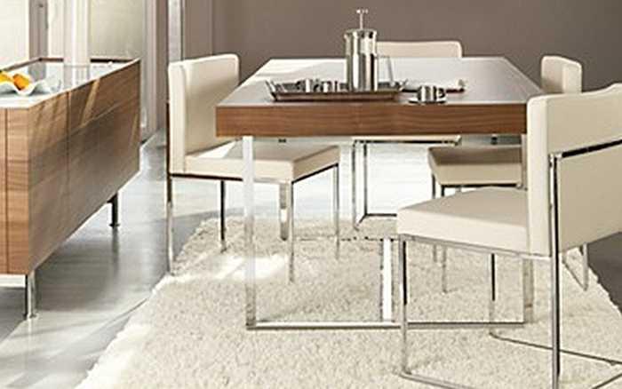 Với thiết kế độc đáo của Italy, bàn ăn Bloomingdale Parentesi Dining Table có giá 5,160 triệu USD (tương đương 113 tỷ đồng).