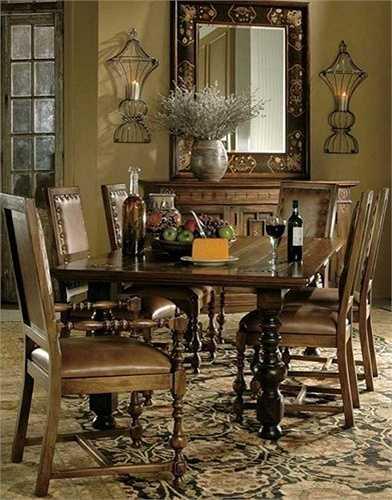 Hãng nội thất Hekman bán chiếc bàn ăn Castilian Dining Table này với giá 4,485 triệu USD (hơn 98 tỷ đồng).