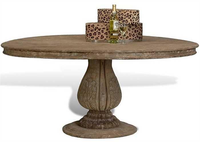 Bàn ăn Cognac Dining Table có giá 4,300 triệu USD (hơn 94 tỷ đồng).