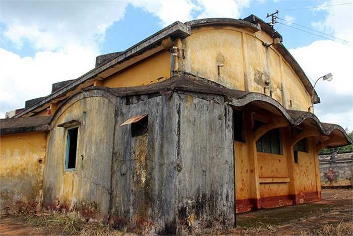Trải qua gần một thế kỷ, dù xuống cấp nghiêm trọng nhưng Bệnh viện Lộc Ninh không bị thay đổi hình dạng và cấu trúc quy hoạch thiết kế. Hiện, di tích lịch sử trong quá trình tôn tạo sửa chữa. Thời gian tới là điểm đến tham quan của du khách thập phương để khám phá vẻ đẹp kiến trúc châu Âu còn lại ở vùng đất Đông Nam Bộ.