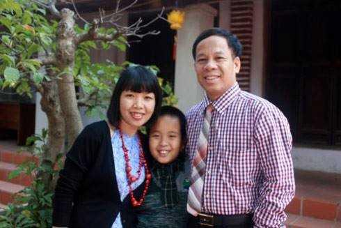 Thần đồng Đỗ Nhật Nam đã làm một bài thơ xúc động tặng bố mẹ