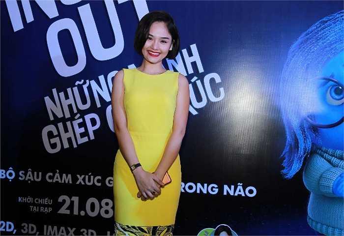 Tham dự buổi ra mắt phim còn có Miu Lê, hot girl Mi Vân, bé Hồng Khanh - con gái NSƯT Chiều Xuân ...