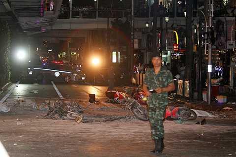 Khung cảnh tan hoang nơi quả bom phát nổ