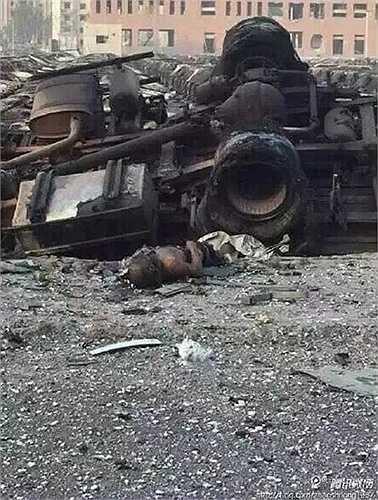 Xác nạn nhân của vụ nổ