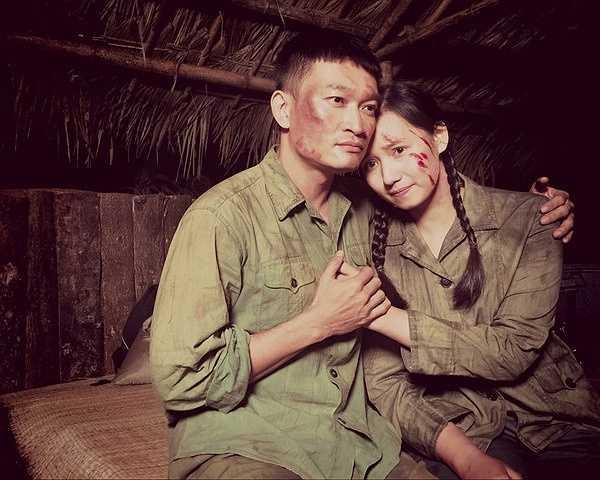 Đóng vai mối tình đầu của Lã Thanh Huyền trong phim là diễn viên Tiến Lộc