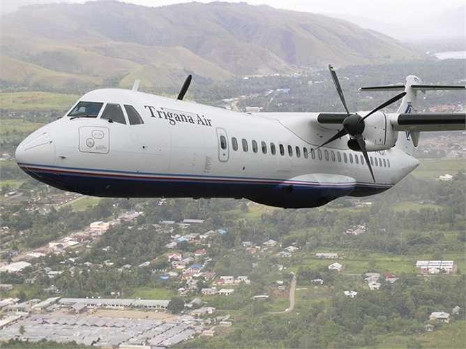 ATR 42 được sản xuất lần đầu năm 1981 và cất cánh lần đầu năm 1984. Chuyến bay thương mại đầu tiên được hãng Air Littoral thực hiện cùng năm 1984