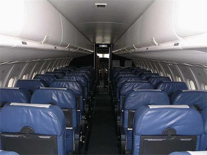 Bên trong khoang máy bay ATR42 với số ghế khoảng 40-50 ghế