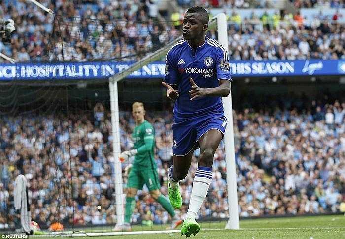 Chelsea cũng đã một lần đưa được bóng vào lưới Man City, nhưng trọng tài không công nhận vị Ramires đã việt vị