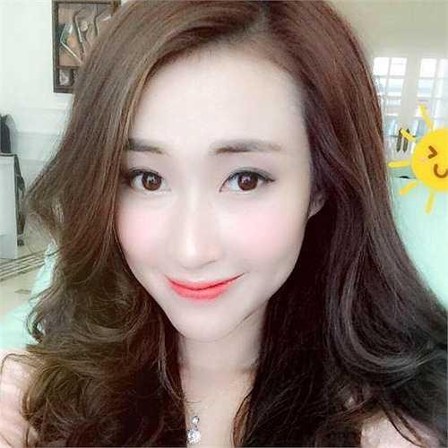 Nữ sinh Học viện Báo chí xinh đẹp này là Nguyễn Thu Ngân (1993), đến từ Thái Nguyên.