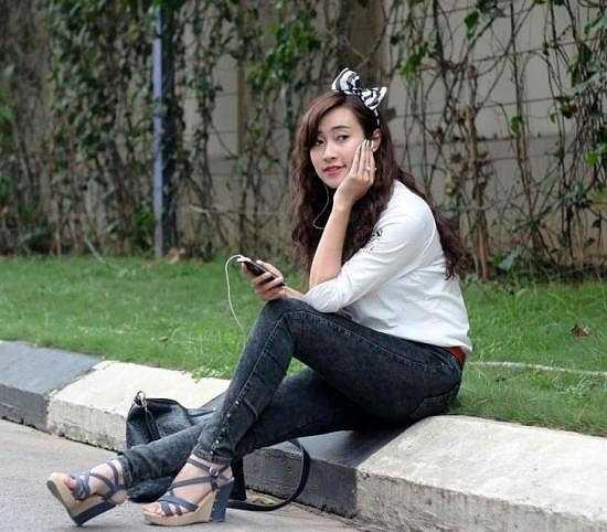 Thu Ngân là cựu sinh viên Học viện Báo chí và Tuyên truyền.