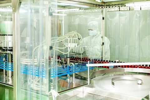 Dây chuyền sản xuất hiện đại tại nhà máy Hoa Thiên Phú Bình Dương