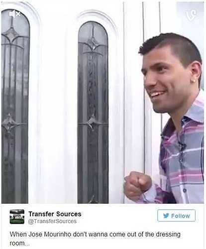 Khi Aguero gõ cửa phòng thay đồ của Chelsea, còn Mourinho lại bỏ quên điều này