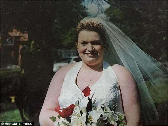 Arlene kết hôn năm 23 tuổi và ly dị sau đó, Arlene lại chuyển về ở với cha mẹ. Arlene đã từng được gia đình và bạn bè giúp đỡ để thay đổi chế độ ăn uống lành mạnh bằng thịt và rau hàng ngày nhưng mọi chuyện vẫn không thay đổi, cô vẫn chỉ thích ăn khoai tây.