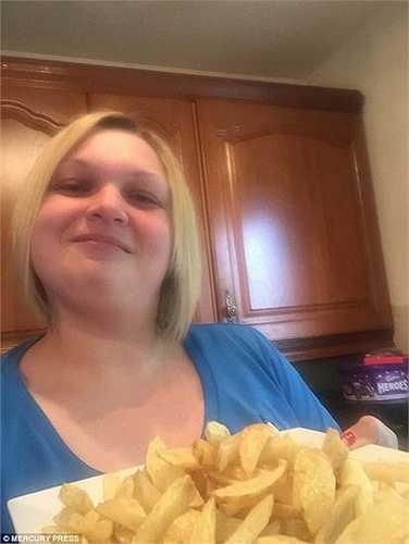 Suốt khoảng thời gian dài, Arlene đã tiêu thụ khoảng 2 tấn khoai tây, chính điều này đã gây ra tình trạng bệnh thiếu máu và khiến cân nặng của Arlene tăng vọt lên. Hiện, Arlene đã nặng 115kg.