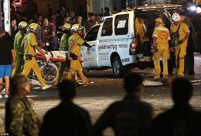 Vụ nổ xảy ra vào khoảng 19h (giờ địa phương) tại quận Ratchaprasong, trung tâm thủ đô Bangkok, Thái Lan