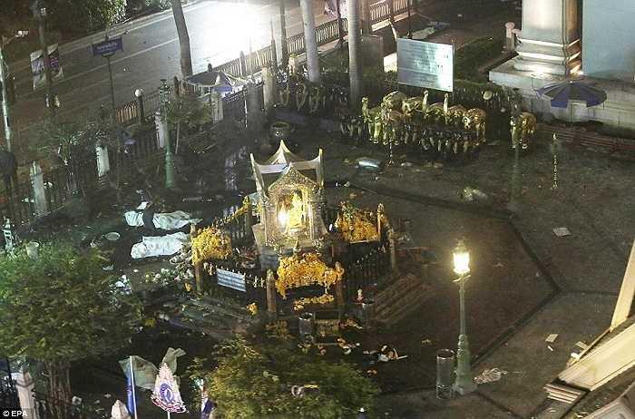 Hình ảnh khu vực ngôi đền Erawan nhìn từ trên cao. Đây là khu vực tín ngưỡng của Thái Lan thu hút nhiều khách du lịch