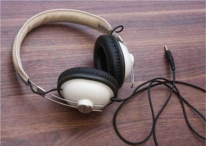 Panasonic RP-HTX7. Với vai trò là một tai nghe, Panasonic RP-HTX7 có một cơ thể mạnh mẽ và nhẹ, nó có thể đạt được độ nhạy cao và đáp ứng tần số rộng, mức giá khởi điểm khoảng 700.000 đồng.