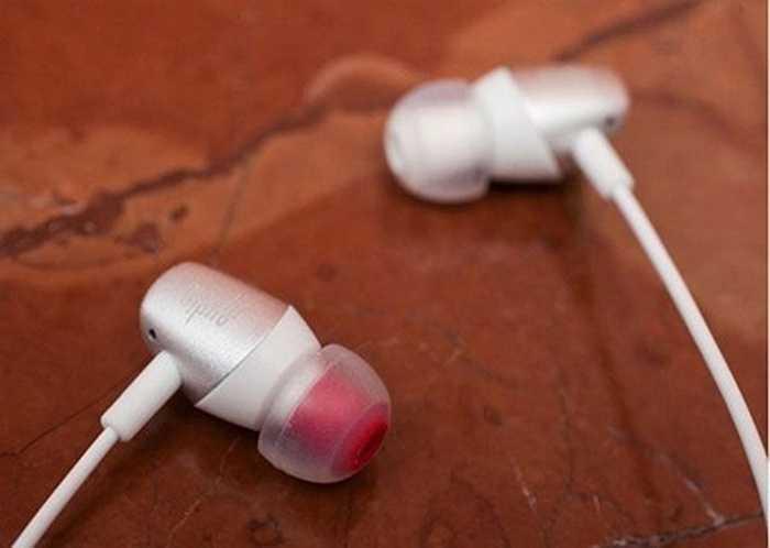 Moshi Mythro. Moshi Mythro có giá khoảng 30 USD, ngoài chức năng tai nghe, nó cũng có thể nhận cuộc gọi bằng cách sử dụng microphone tích hợp.