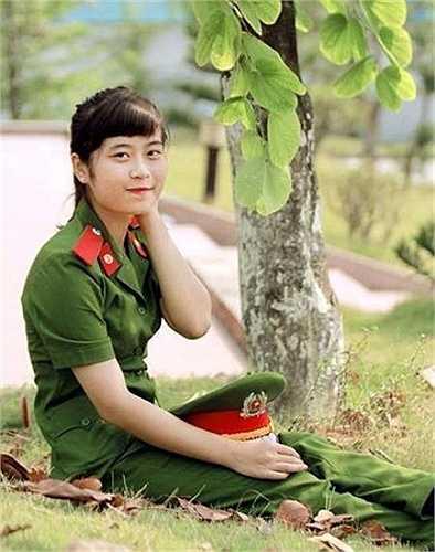 Lê Dạ Ngân - nữ sinh tài năng của Học viện Cảnh sát Nhân dân đến từ Nghi Lộc - Nghệ An.