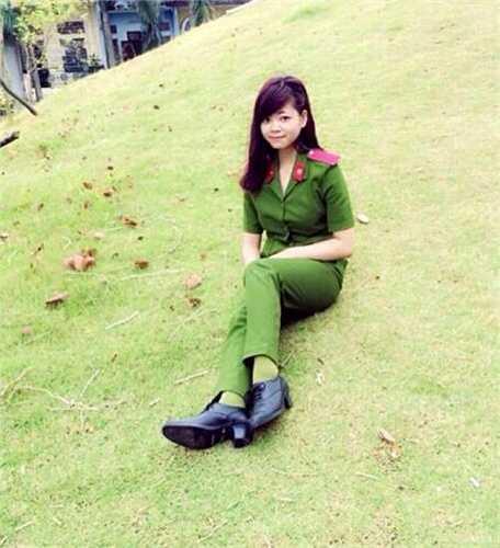 Xinh đẹp, tài năng Nguyễn Thị Ánh Nguyệt (1996) hiện là nữ sinh năm thứ hai, Học viện Cảnh sát Nhân dân.
